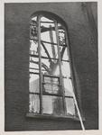 M 12098 In juli 1938 ontstaat in de kerktoren van de Sint-Dominicuskerk brand. Enkele schilders worden tegen hun wil ...
