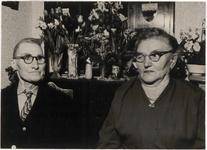 M 12149 Het echtpaar Johanes de Kruijf en Hendrika Johana de Kruijf-Molders wonende aan de Oosterwal in Culemborg ...