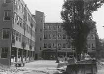 1203 Na de brand in het oude Seminariegebouw de nieuwbouw van de sociale academie 'de Nijenburgh'. Nu het stadskantoor ...