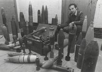 1281 Tentoonstelling granaten bij de Explosieven Opruimingsdienst in Werk aan 't Spoel.