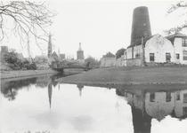 1298 Gezicht op Culemborg, met de Molenromp 'de Hoop'.