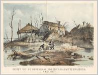 A100040 Zicht op twee beschadigde boerderijen met een hooiberg. Drie mannen sjorren en (hulp)pakket over een plank op ...
