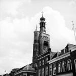 22-9464 Herbouwde spits en carillon van de gasthuistoren