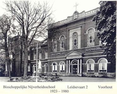 134016 Broederhuis Voorhout (1973-1980); Bisschoppelijke Nijverheidsschool B.N.S. (1926-1973); Sint Gerardus Gesticht ...