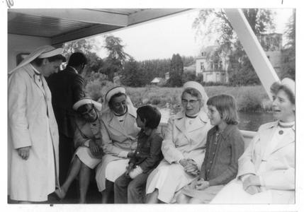 102044 Een schoolreisje op de boot