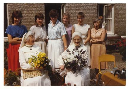 102163 Veertigjarig professiefeest van zuster Veronica en zuster Rita te Maastricht
