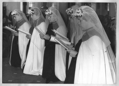 102174 Professieviering in het convent te Hilversum