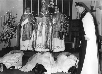 102176 Professieviering in het convent te Hilversum