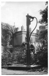 226018 Waterpomp van klooster Mariënburg te Nijmegen