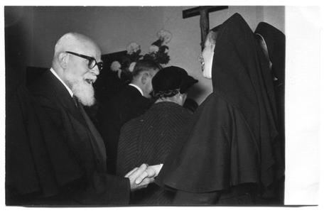 226027 Inwijding van het zusterhuis aan de Canisiussingel te Nijmegen