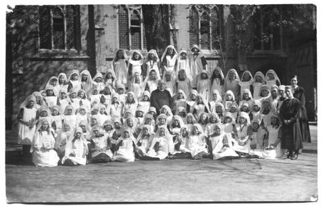 226048 Kinderretraite in de paasweek bij klooster Mariënburg te Nijmegen