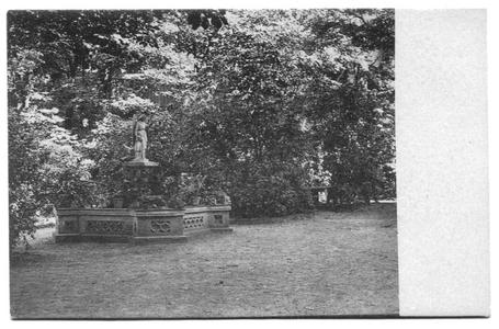 226051 Binnenplaats van pensionaat Sacré Coeur, later klooster Mariënburg te Nijmegen