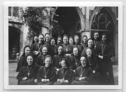 226103 De zusters van klooster Mariënburg te Nijmegen