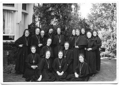 226104 De zusters van het huis aan de Canisiussingel te Nijmegen