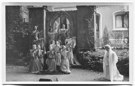 226108 Mariaspel bij de inwijding van de kapel van O.L.V. van het Vagevuur te Nijmegen