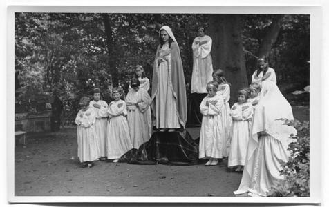 226109 Mariaspel bij de inwijding van de kapel van O.L.V. van het Vagevuur te Nijmegen