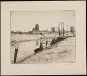 SPUIJBROEK_047 Gezicht op Brielle vanaf de Buitenhaven, met de St. Catharijnekerk en de Kalkfabriek, ca. 1935