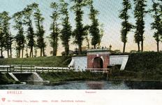 PB0106 De Kaaipoort met de brug over de Kaaivest, 1904