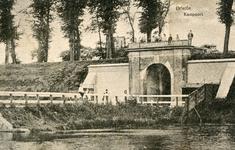 PB0192 De Kaaipoort met de brug over de Kaaivest, 1919