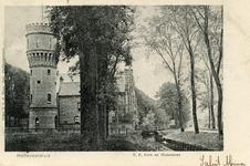 PB3132 Hellevoetsluis; De watertoren en de katholieke kerk met pastorie, ca. 1902