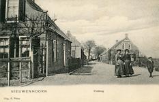 PB4053 Kijkje op de Oostdijk en het buurtschap Vlotbrug, ca. 1905