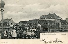 PB4055 De Vlotbrug over het Kanaal door Voorne, ca. 1910