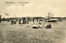 PB4949 Badgasten op het strand, ca. 1917
