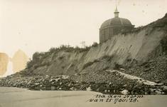 PB5187 Schade aan de duinen na de storm van 25 november 1928. Koepel Zeeburg wordt bedreigd, 1928