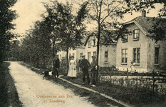 PB5822 Oostvoorne; Kijkje in de Eerste zandweg, ca. 1921