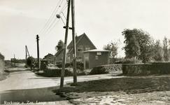 PB7656 Kijkje ter hoogte van de kruising van de Bosweg met de Langeweg, ca. 1950