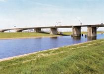 PB9099 Spijkenisse; De Hartelbrug, 1983