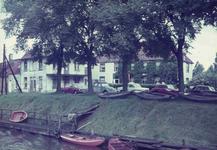 DIA01996 Het havenhoofd met het voormalige café 't Oude Veerhuis; 1 april 1965