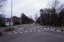 DIA02575 Brielle; ; De watertoren gezien vanaf De Rik. Links het voormalige politiebureau, ca. 1991