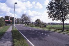 DIA02668 De Thoelaverweg, met links het terrein van Luveto; ca. 1991