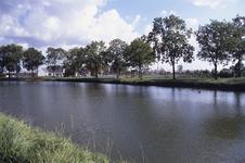 DIA02670 De Thoelaverweg, met het terrein van Luveto; ca. 1991