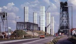DIA40488 Spijkenisse; ; Aanbouw nieuwe Spijkenisserbrug, 17 september 1977