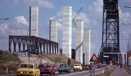 DIA40489 Spijkenisse; ; Aanbouw nieuwe Spijkenisserbrug, 17 september 1977