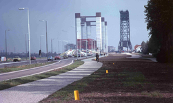 DIA40554 Spijkenisse; ; Nieuwe Spijkenisserbrug in gebruik, 16 september 1978