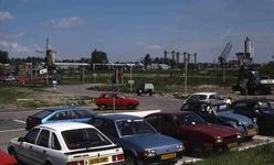 DIA41268 Spijkenisse; ; Het parkeerterrein achter het ABC-complex, toekomstige locatie van de Kopspijker, 29 mei 1985
