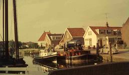 DIA41733 Spijkenisse; ; Woningen langs de Oostkade, 1963