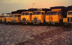 DIA41786 Vrachtwagens van het transportbedrijf De Rijke; 1963