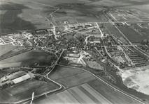 DIA41864 Spijkenisse; ; Luchtopname van het Centrum. Rechtsboven de wijk Schiekamp, 1963