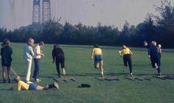 DIA41933 Spijkenisse; ; Atletiek op Sportcomplex De Brug, 1969