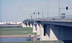 DIA41960 Spijkenisse; ; De Hartelbrug, 1970