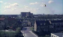 DIA41992 Spijkenisse; ; Bovenaanzicht van de Wijk Centrum vanaf de Dorpskerk. Op de achtergrond het Churchillflat en ...
