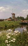 DIA41999 Spijkenisse; ; Molen aan het Noordeinde, opname vanaf de overkant van de haven, 1972