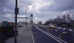 DIA42137 Spijkenisse; ; Asfalteren van de Groene Kruisweg, 1974