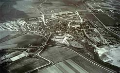 DIA42210 Spijkenisse; ; Luchtfoto van de uitbreiding rond Spijkenisse, ca. 1965