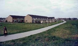 DIA42223 Woningen in Hoogvliet; ca. 1980