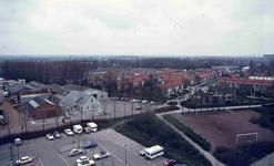 DIA42226 Spijkenisse; ; De Breeweg en de Vogelbuurt, gezien vanaf de Marrewijkflat, ca. 1975
